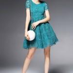 9 mẫu váy ren dạo phố và dự tiệc hot nhất cho bạn gái